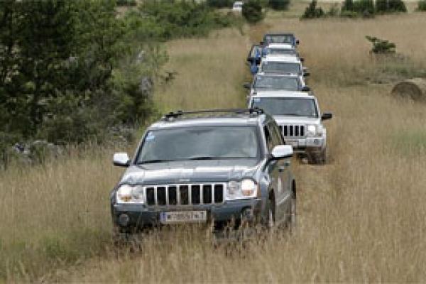 jeep-euro-camp-nv5B03898F-3568-ECAD-42D7-CF03AE99B1CB.jpg